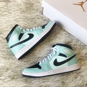 Nike Air Jordan 1 Mid 'Aqua Blue Tint'